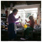 COLOR PHOTO: JULIA CHILD DEMONSTRATE FROSTING TECHNIQUE w NIECE, 1970 FREE SHIP