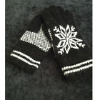 New Winter Outdoor Snowflake Warm Thick Knit Gloves