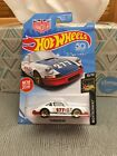 2018 HOT WHEELS MAGNUS WALKER URBAN OUTLAW *RED* '71 PORCHE 911 2 AVALIABLE