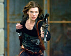 Milla Jovovich As Alice In Resident Evil: Afterlife Holding Rifle 8x10 Photo