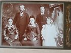 VIBTAGE CABINET CARD PHOTO. VICTORIAN FAMILY IN ALL THEIR FINERY. LOVELY IMAGE