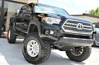 Toyota%3A+Tacoma+TRD+Off+Road%2C+6in+LIFT%2C+NAV%21