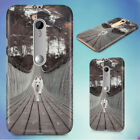 SAMOYED DOG RUNNING ON BRIDGE HARD BACK CASE FOR MOTOROLA PHONES