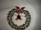 Pretty vintage Red, Green, Gold Christams Wreath Brooch Pin with Bell & Clanger