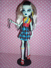 """Monster High Exclusive """"I Love Fashion"""" Frankie Stein Doll inc Stand & Accessory"""