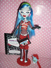 """Monster High """"Signature/Original"""" Ghoulia Yelps Doll inc Stand, Diary & Access'"""
