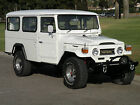 Toyota+%3A+Land+Cruiser+Troopcarrier