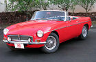 MG+%3A+MGB+Roadster+Convertible