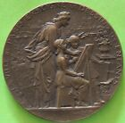 Medal the Town de Paris Sign le Drawing a Ses Kids by Louis Booted