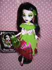 """Monster High """"Scary Tales"""" Snow Bite Draculaura Doll inc Stand, Diary & Access'"""