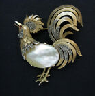 SIGNED VINTAGE ALFRED PHILIPPE CROWN TRIFARI ROOSTER MOP JELLY BELLY BROOCH