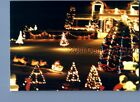 FOUND COLOR PHOTO O+3728 VIEW OF CHRISTMAS DEOCRATIONS ON HOUSE