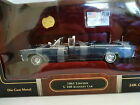 Road Signature Series - 24048 - 1:24 Scale - 1961 Lincoln X-100 Kennedy Car