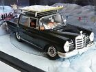 MERCEDES BENZ MODEL CAR 220S 1/43 SCALE 4 DOOR SALOON VERSION PACKAGED R0154X{:}