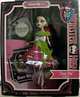 """Monster High Draculuara """"Snow Bite"""" from """"A Monster High Story"""" collection"""