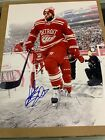 Henrik Zetteberg Autographed 11x14 Detroit Red Wings