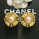 CHANEL EARRINGS Pearl CC Logo Gold Circle diameter about 1.22 inch 93A Authentic