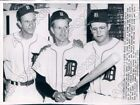 1959 Detroit Tigers Johnny Groth and Ted Lepcio and Larry Osborn  Press Photo
