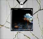 FLOWER BLUE AND WHITE ROSE PENDANT NECKLACE  -eug5X