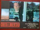 6 LOBBY CARD GRITA LIBERTAD DE RICHARD ATTENBOROUGH CON KELVIN KLIN