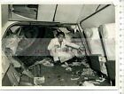 ORIGINAL PRESSEFOTO:1956 AIR CRASH - YORK AIRCRAFT - WIFES: SAY WE WILL FLY ON