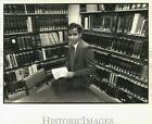 1987 Press Photo Law trainee Ajay Verma at White Bank building - noc53221